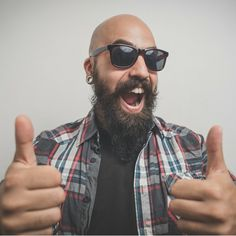 Beards have been on a roll since, well, many years now, while a shaved head or naturally-bald head has been riding a wave of popularity. Beard For Round Face, Shaved Head With Beard, Round Face Men, Bald Men With Beards, Bald With Beard, Great Beards, Hairy Men, Face Facial, Facial Hair