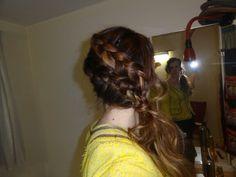 #Diagonal #braids with middle #twist