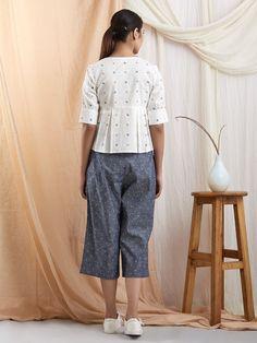 Cute Work Outfits, Trendy Outfits, Kurta Designs, Blouse Designs, Suit Fashion, Fashion Outfits, Cotton Tunic Tops, Pakistani Fashion Casual, Stylish Blouse Design