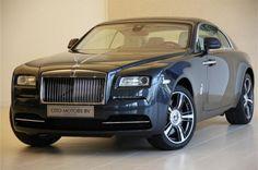 Rolls-Royce Wraith vertegenwoordigt een meesterwerk van elegante eenvoud. Met een zelfverzekerde uitstraling en een belofte van dynamiek en prestaties die het drama van de vloeiende lijnen van de fastback aanvullen