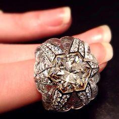 #scavia #jewel #jewels #jewelry #jewellery #ring #exagon #design #madeinitaly #luxury #oneofakind #handmade #white #gold #hexagonal #cut #natural #fancy #pinkish #brown #diamond #exclusive #excellence #gem #hyaline #quartz #inlays #brilliant #cut #diamonds #brilliants
