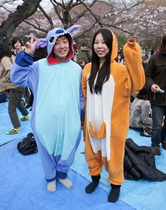 From technicolor tutus to dark styles more gothic than Notre Dame, a look at the current trends in Japan street fashion. Bad Halloween Costumes, Japan Street, Street Style Trends, Japanese Street Fashion, Japan Fashion, Dark Fashion, Notre Dame, Tutu, Harajuku