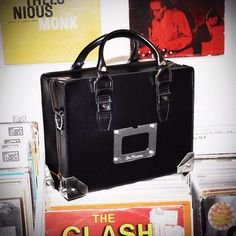 Dr. Martens Boxy Leather Holdall