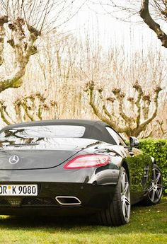 Mercedes SLS. Beautiful even from behind x