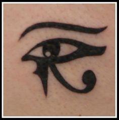 oeil d'horus ou oudjat tatouage