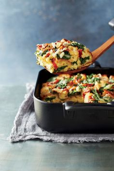 This dish has fewer than 20g of total carbs--about half of what you'll find in classic bread-based casseroles. Greek yogurt, eggs, and... Breakfast Strata, Spinach, Bacon