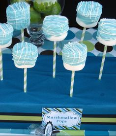 marshmallow pops food tables, train birthday, marshmallow pops, cake pops, blue cakes, blues, babi shower, parti, baby showers