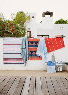 resort life: nine space. // sfgirlbybay pretty blankets!