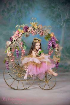 26 Trendy Photography Kids Studio Little Girls Little Girl Photography, Teen Photography, Children Photography, Artistic Photography, Little Girl Photos, Baby Girl Photos, Baby Pictures, Little Girls, Kids Studio