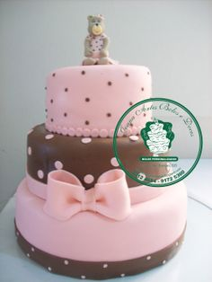 bolo rosa com marrom de ursinha