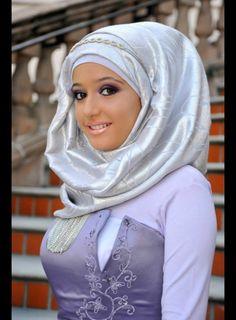 gorgeous very nice indresting baby Modest Fashion, Hijab Fashion, Fashion Outfits, Womens Fashion, Muslim Girls, Muslim Women, Conservative Fashion, Modern Hijab, Arab Women