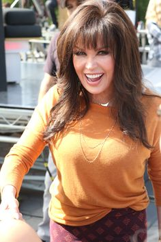 Marie Osmond at Universal Studios for Extra interview Haircuts For Long Hair With Layers, Long Hair Cuts, Long Hair Styles, Marie Osmond Hot, Donny Osmond, The Osmonds, Beautiful Old Woman, Kristin Cavallari, Thing 1