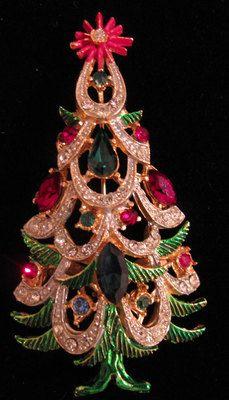 Vintage Hattie Carnegie Christmas Tree Pin Signed ❤ ❤ ❤