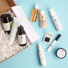 Snag @thedetoxmarket's BEST OF GREEN BEAUTY BOX before they're gone! #naturalbeauty #organicbeauty #greenbeauty #beautyboxes