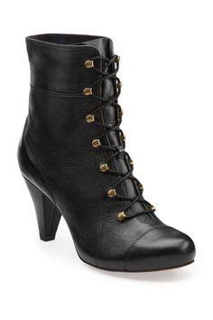 {Clarks Jordan Brooke Mid Lace Boot}