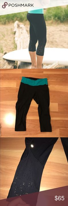Lululemon Water Bound Crop EUC Sz 6 Size 6. Size dot confirmed. In very good condition. No flaws at all. No stains no tears no pilling. Water resistant. NO TRADES, cheaper through PayPal or mercari lululemon athletica Pants