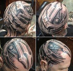 kopf-tattoo-biomechanik