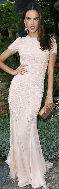 Who made  Alessandra Ambrosio's pink gown and jewelry that she wore in Cannes?