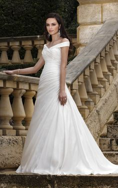 Essense of Australia - D1043 - wrap-style with shoulder straps, but very plain - where's the lace?!