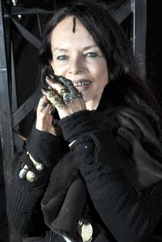 Michele Lamy the wife and energy behind Goth and alternative designer Rick Owens Rick Owens, Lamy, 50 And Fabulous, Advanced Style, Dark Beauty, Beauty And The Beast, Style Icons, Creative, Muse