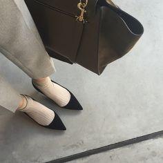 SnapWidget | #outfit #pants #enfold #socks#unknown ニットがベージュだったので靴下もベージュにしました。