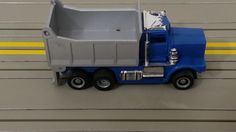 TYCO US-1 TRUCKING HO SLOT CAR Gray Blue Dump Truck  missing front grill #Tyco