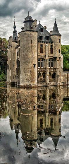 Vorselaar Castle, Belgium, Castle De Borrekens at Vorselaar (near Herenthals) is a 13c medieval castle.