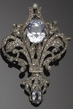 diamond brooch, circa 1890 #beautiful #vintage #brooch www.kristoffjewelers.com