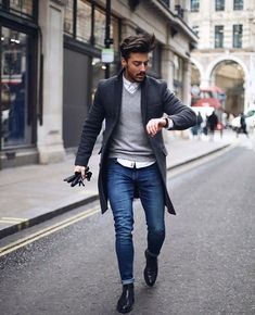 Casual winter outfits men – When winter comes along it's simple to just throw a coat on a simple outfit and be carried out with that. Now, the moment the winter is approaching at a quick speed, again you want to… Continue Reading → Trajes Business Casual, Men's Business Outfits, Business Ideas, Business Cards, Casual Work Outfits, Work Casual, Men Casual, Office Outfits, Smart Casual Men Work