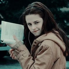 The love for Romeo and Juliet Twilight 2008, Twilight Saga Series, Twilight Edward, Twilight New Moon, Twilight Series, Twilight Movie, Bella Y Edward, Bella Cullen, Edward Cullen