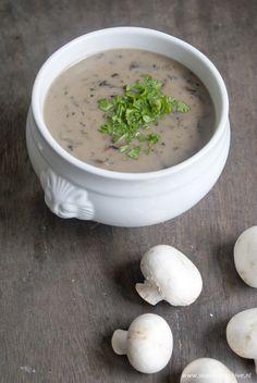 Champignonsoep zonder room, heerlijke soep die je zonder schuldgevoel kunt eten.