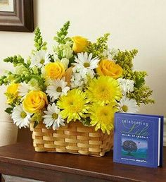 How to arrange flowers beautifully. Best Options For Floral Arrangement, It's easier than most people think to make a beautiful flower arrangement. Basket Flower Arrangements, Funeral Flower Arrangements, Beautiful Flower Arrangements, Beautiful Flowers, Beautiful Life, Church Flowers, Funeral Flowers, Fleurs Diy, Cemetery Flowers