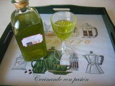 Cocinando con pasión: Orujo de hierbas Liquor Drinks, Coffee Drinks, Alcoholic Drinks, Cocktails, Bartender, White Wine, Martini, Catering, Tableware
