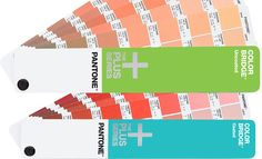 Restexemplare der Pantone Fächer »Plus ColorBridge« 99 statt 129 Euro