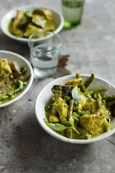 Thai green chicken curry - Recipes - Food & Drink - The Independent Cooked at the weekend for friends - very yummy! Thai Recipes, Curry Recipes, Easy Healthy Recipes, Diet Recipes, Easy Meals, Cooking Recipes, Thai Green Chicken Curry, Green Curry, Meals For The Week