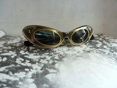 Cat Eye Sonnenbrille gold 1950er -60er Jahre von GretaunddasRotkaeppchen auf DaWanda.com