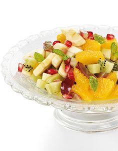 Fruktsalat | www.greteroede.no | www.greteroede.no Norwegian Food, Frisk, Fruit Salad, Sweet, Desserts, Norway, Foods, Recipe, Candy