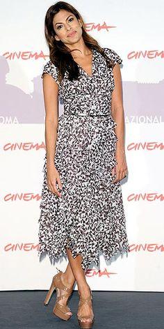 c2f7b1574a23 67 bästa bilderna på Eva Mendes i 2015   Eve mendes, Eva Mendes och ...