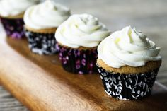 Early Grey Cupcakes w/Lemon butter creme frosting. Would be delish with vanilla butter creme (Hello foggy london!)