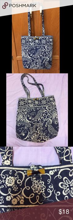 Vera Bradley Purse Vera Bradley medium/taller size shoulder bag/purse. In good used condition! Vera Bradley Bags Shoulder Bags