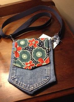 Up-Cycled Denim Handmade Pocket Purse -- Cross-body Jean Crafts, Denim Crafts, Jean Purses, Purses And Bags, Denim Purse, Denim Ideas, Recycle Jeans, Upcycle, Handmade Purses