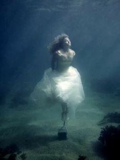 Tumblr Sad Girl Photography Underwater
