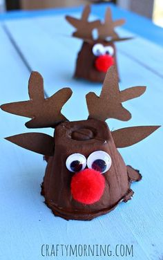 Egg Carton Reindeer Craft - Fun Christmas craft for kids! #Recycled art project | CraftyMorning.com
