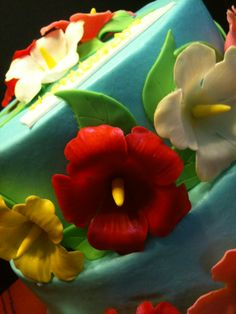 Hawaiian flower themed cake.