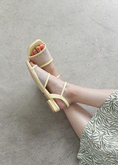 Blue Sandals, Designer Shoes, Women's Shoes, Fashion Women, Espadrilles, High Heels, Ootd, Fashion Design, Collection