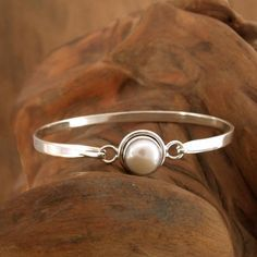 Novica Handmade Sterling Silver Aesthetic Moon Pearl Bangle Style Bracelet (10 mm) (India) (Solid), Women's, Size: 6.25 Inch, White