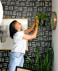 In the world of interior design, celebrating diverse artists and designers opens the door for even more talent to be developed and one day discovered. Black Hexagon Tile, Black Interior Design, World Of Interiors, Cozy Corner, Beach Condo, Hanging Planters, Home Look, White Paints, Gossip Girl
