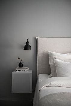 Ridiculous Tips: Minimalist Bedroom Budget Ideas minimalist decor bathroom inspiration.Minimalist Home Essentials Black White minimalist bedroom black inspiration.Minimalist Home Modern Minimalism. Interior Design Minimalist, Minimalist Bedroom, Minimalist Decor, Minimalist Kitchen, Minimalist Apartment, Minimalist Living, Minimalist Mirrors, Contemporary Interior, Modern Design