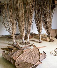 Galhos de árvores viram objetos de decoração