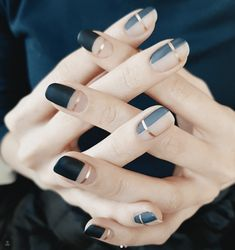 8 Korean Nail Art Designs That Are Super Trendy Right Now - UK - - Here's 8 super trendy Korean nail art designs are so creative and stylish that it will completely change the way you see nail art. Subtle Nail Art, Pink Nail Art, Nail Art Diy, Blue Nail, Round Nail Designs, Nail Art Designs, Korean Nail Art, Korean Nails, Minimalist Nails